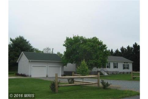 Hurlock, MD - Country Home on 1 Acre